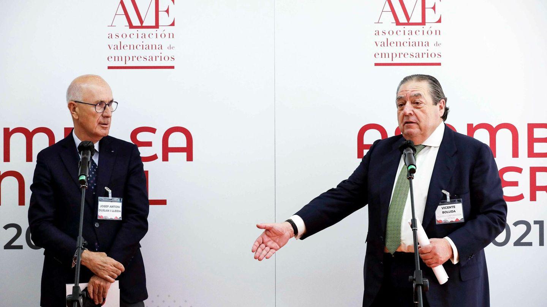Josep Antoni Duran i Lleida, con Vicente Boluda, en Valencia. (EFE)