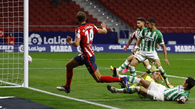 Marcos Llorente abre la lata frente al Betis en un partido de Liga. (EFE)