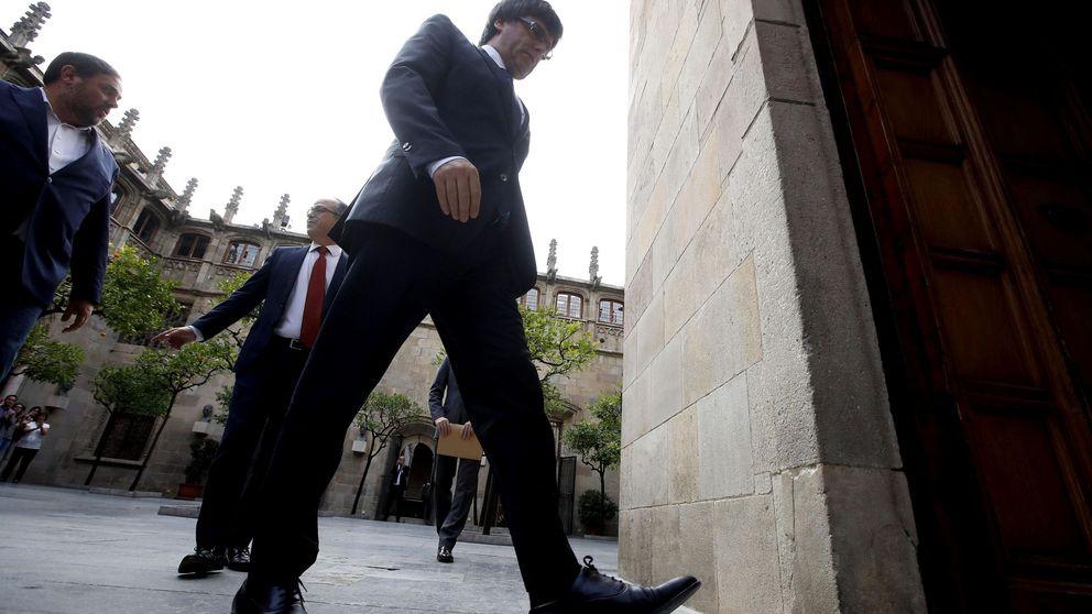 Puigdemont retrasa al martes su comparecencia en el Parlament