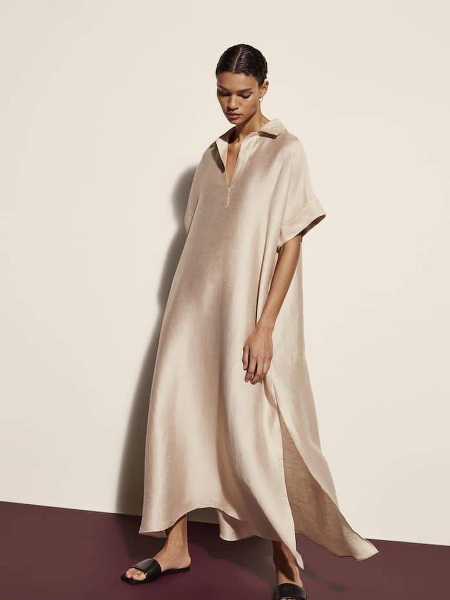 Vestido túnica de Massimo Dutti. (Cortesía)