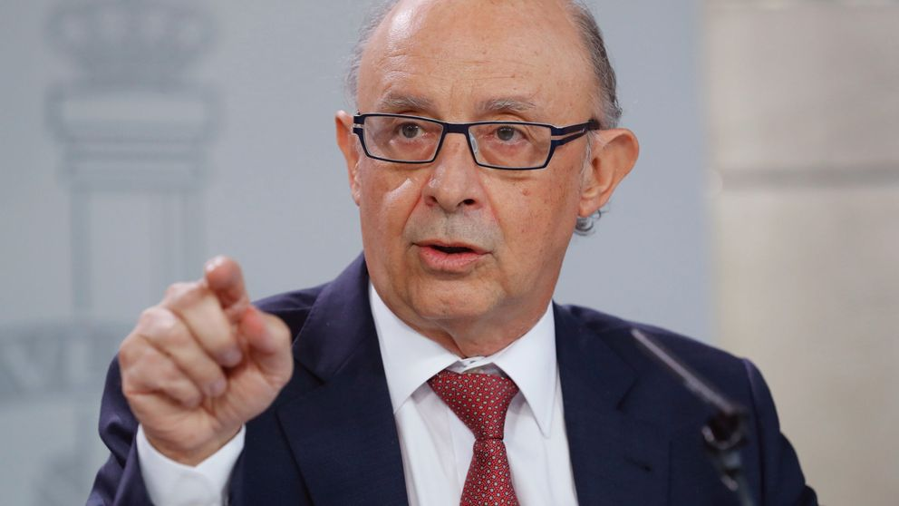El Gobierno admite por primera vez que la tensión en Cataluña afecta a la deuda