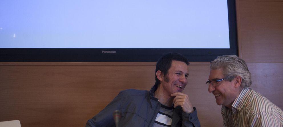 Foto: El director de 'El Mundo', Casimiro García-Abadillo (d), y el reportero Javier Espinosa. (Gtres)