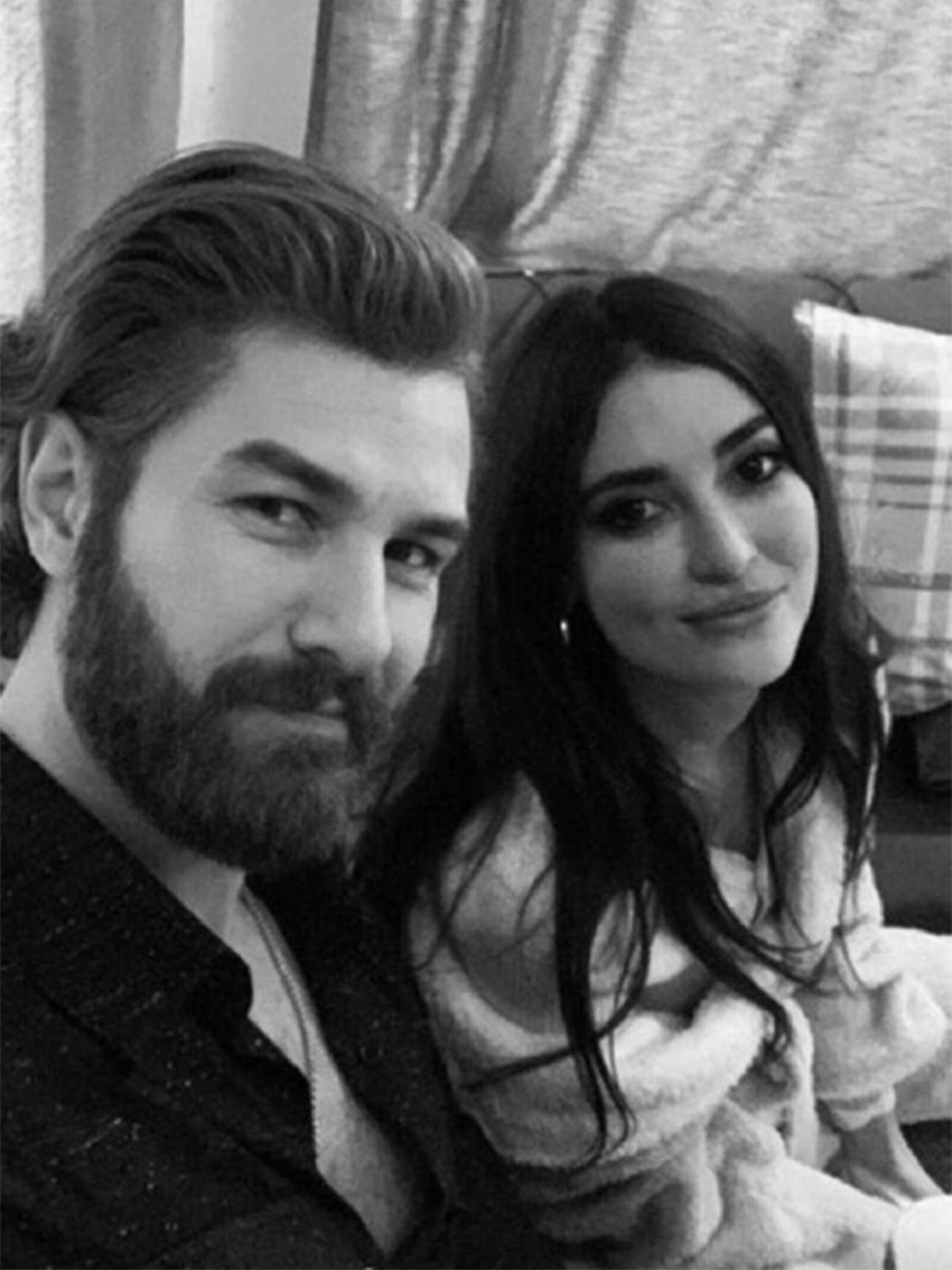 Furkan Palali y Melike Ipek Yalova posan en redes sociales. (Instagram @furkanpalali)