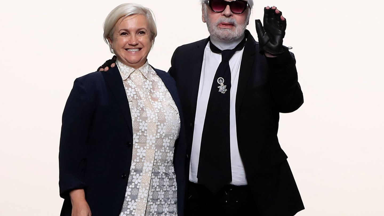 Karl Lagerfeld y Silvia Venturini. (Reuters)