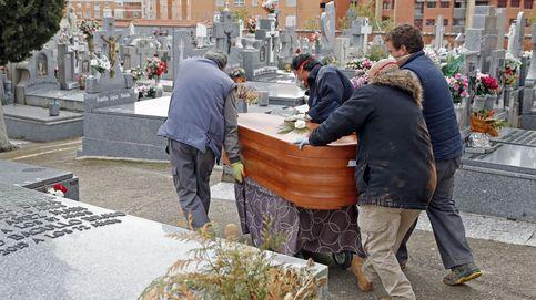 Los registros afloran de golpe los muertos en 12.000 y llegan ya a 43.000 en la pandemia