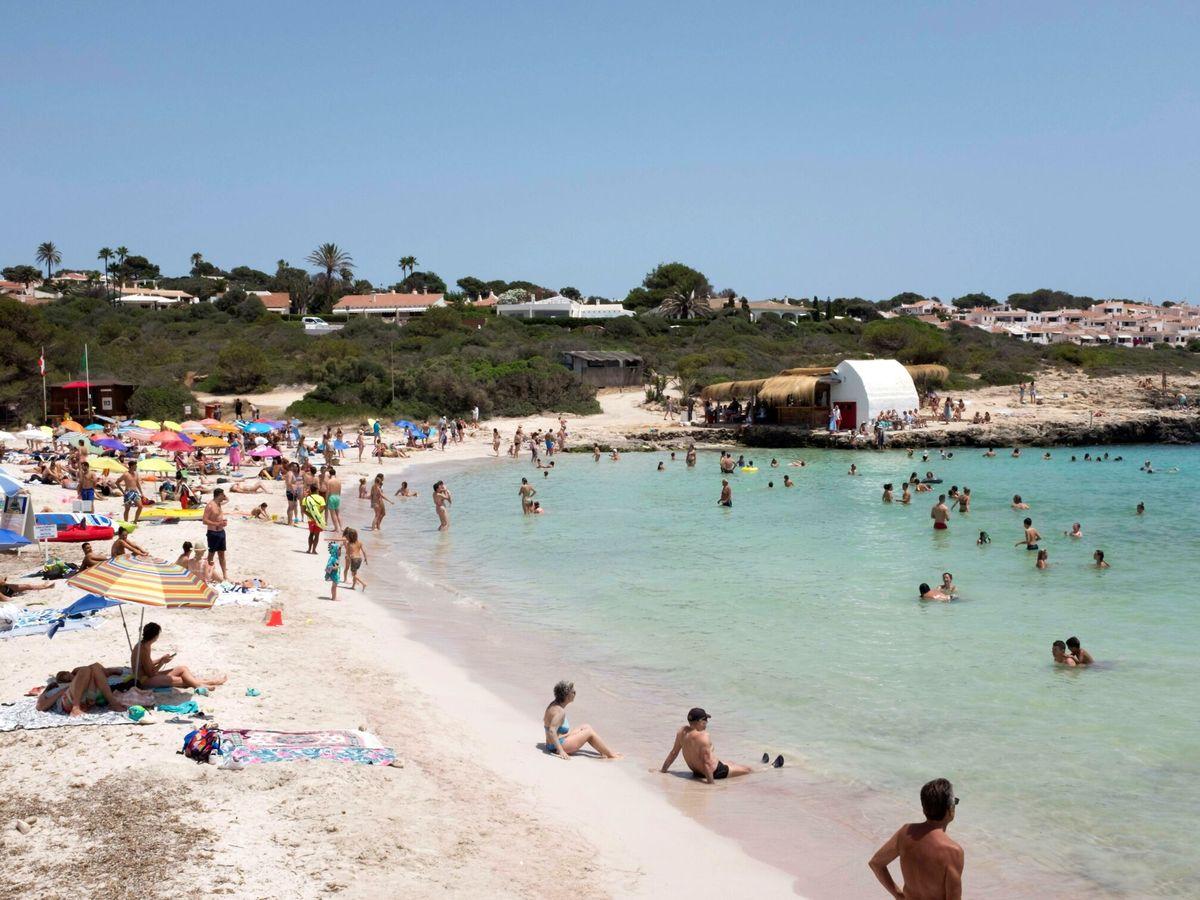 Foto: Playa de Binibèquer en Menorca. (EFE)