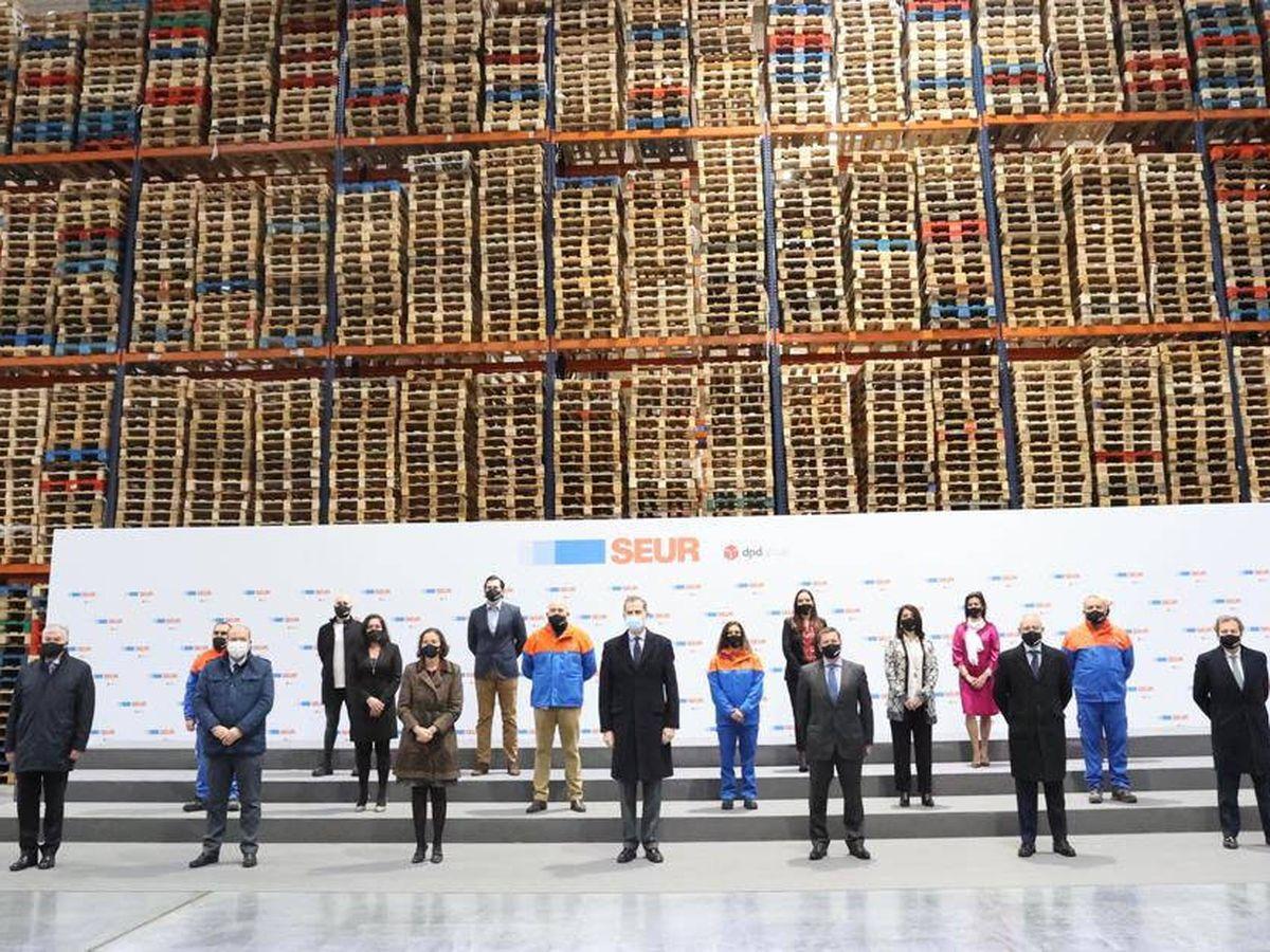 Foto: Visita de Felipe VI a la planta de Seur en Illescas. (cedida)