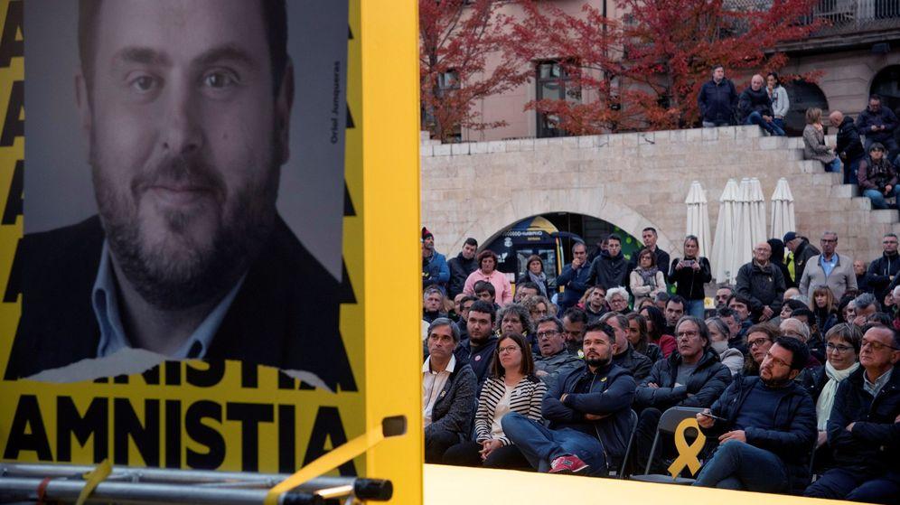 Foto: El cabeza de lista al Congreso de ERC, Gabriel Rufián, durante un acto electoral en Lleida. (EFE)