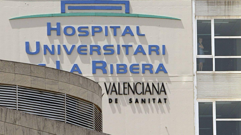 El Hospital de Alzira y el área de salud están gestionados por Ribera Salud, con contrato hasta 2018.