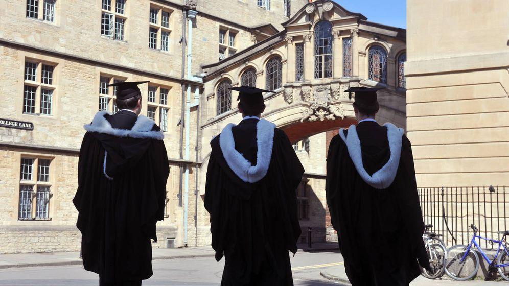 Foto: Hacia las puertas de la universidad. (iStock)