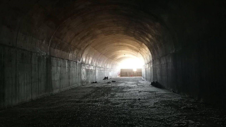 Foto: Uno de los túneles abandonados de las obras fallidas del tren a Navalcarnero. (Foto: PSOE de Navalcarnero)
