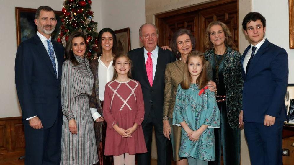 Foto: Fotografía del almuerzo familiar en el Palacio de La Zarzuela con motivo del 80 aniversario de don Juan Carlos. (Casa Real)