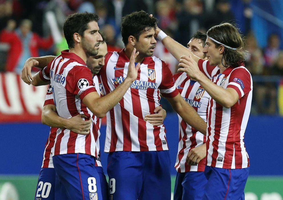 Foto: Los jugadores del Atlético celebran un gol de Diego Costa, que hoy podría no salir de inicio.