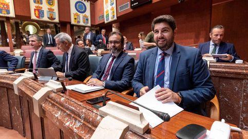 Choque de trenes: Cs y Vox agotan sus posiciones en el día clave para Murcia