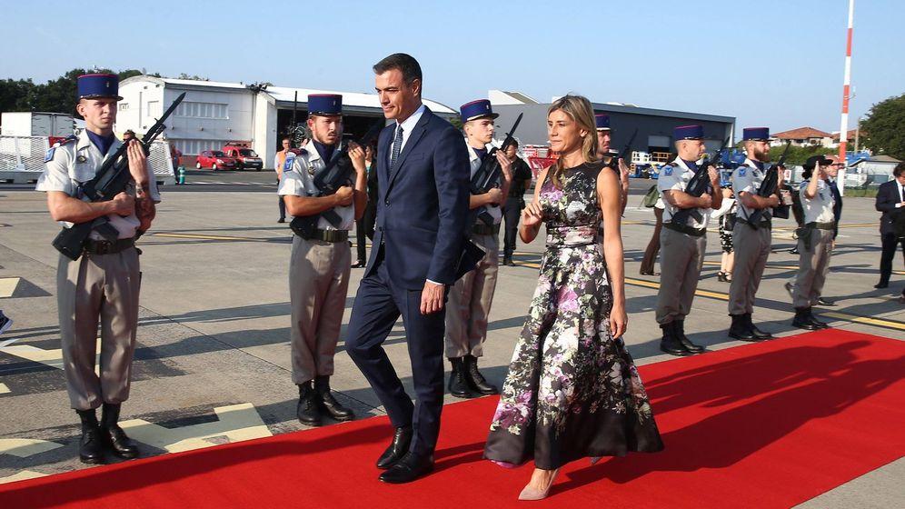 Foto: Sánchez a su llegada a Biarritz.