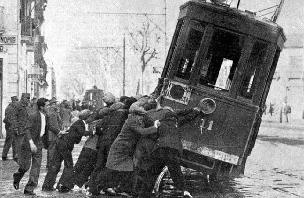 Foto: Sabotaje al tranvía en Barcelona en la huelga de 1919