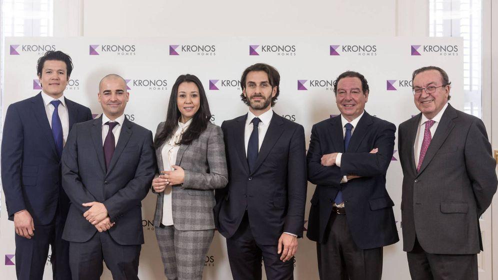 Foto: De izquierda a derecha, el equipo de Kronos Homes: Bertrand Perrodo, Manuel Holgado, Majda Labied, Saïd Hejal, Ignacio Ocejo y Enrique Feduchy.
