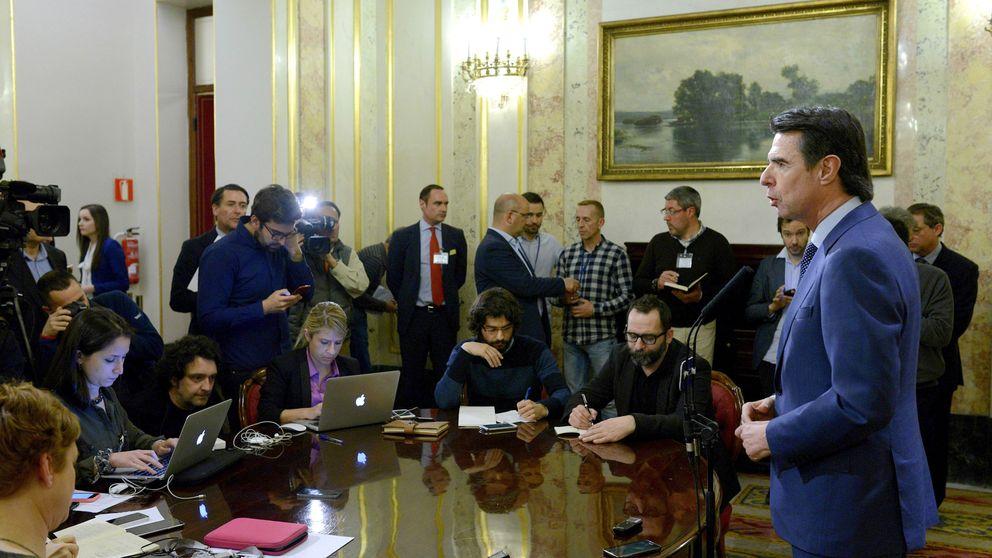 Soria prepara su defensa en Canarias y el PP pide explicaciones o dimisión