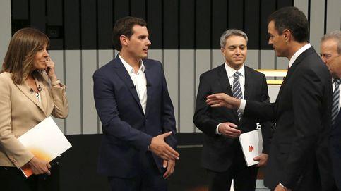 Lo que el ojo no vio: las caricias de Pedro, las coderas de Íñigo y los paseíllos de Rajoy
