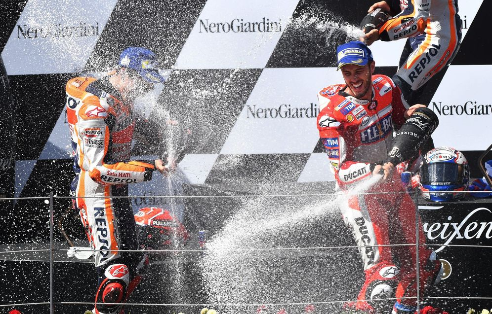 Foto: En la imagen, Dovizioso celebrando el triunfo. (EFE)