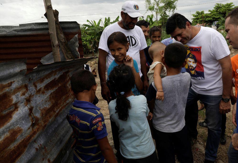 Foto: El diputado Freddy Superlano durante una visita de campaña a Barinas, Venezuela. (Reuters)