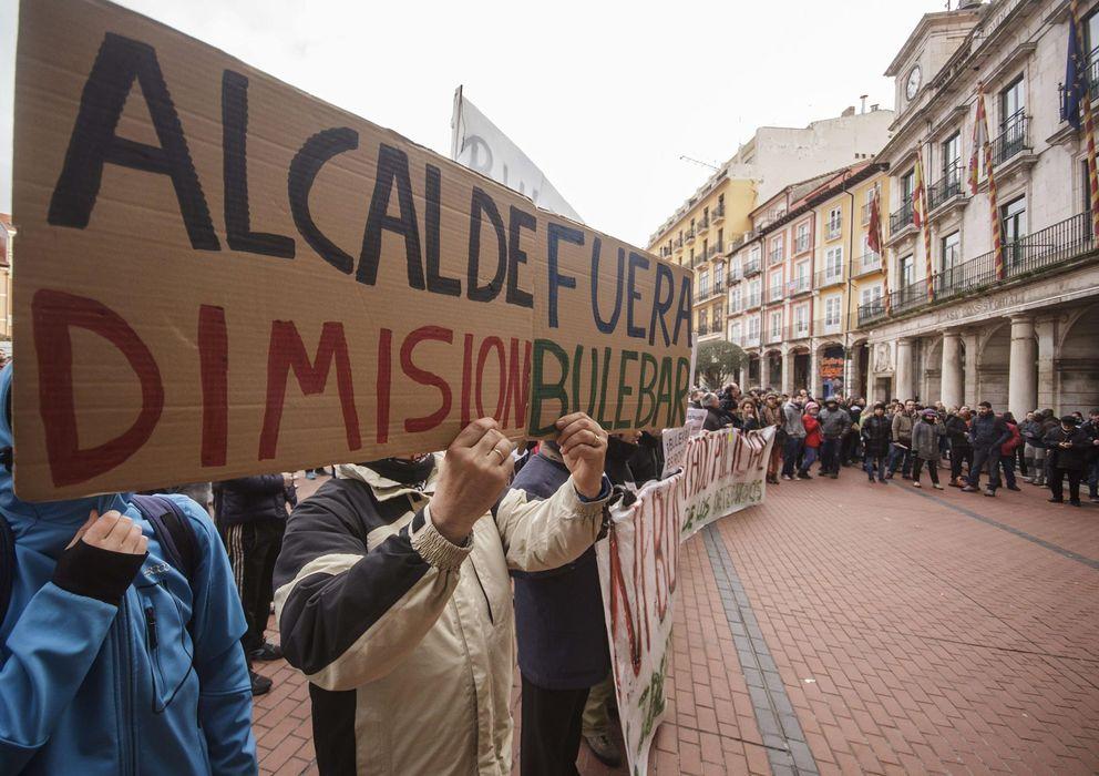Foto: Vecinos de Gamonal protestan ante el Ayuntamiento de Burgos