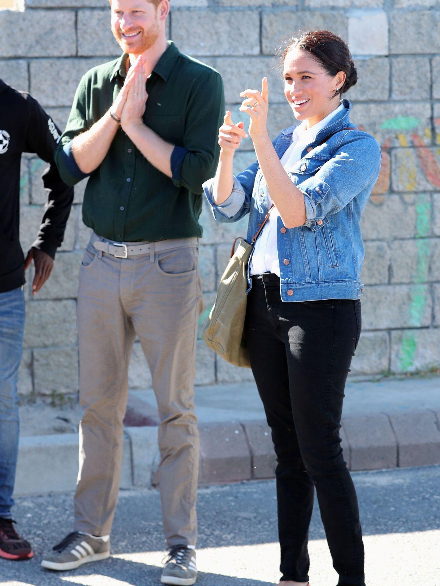 Meghan y Harry, durante su viaje a Sudáfrica. (Reuters)