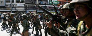 Enfrentamientos entre el Ejército y activistas causan 94 heridos en Bangkok