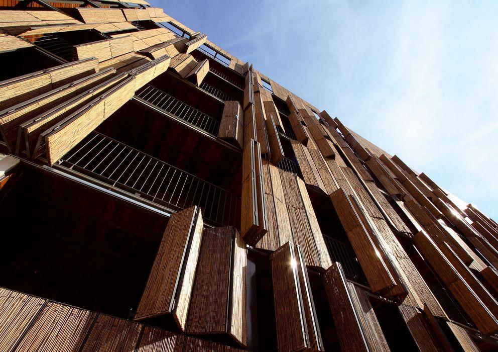 Foto: Un edificio de viviendas sociales de Carabanchel. (Madrid). (EFE)