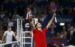 Federer vuelve a hacer suya Basilea y se queda a 500 puntos del nº 1