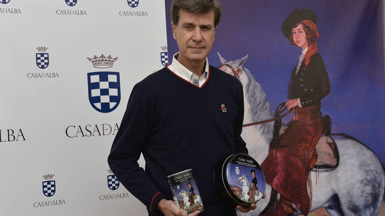 El duque de Arjona, presentando los productos de sus fincas que se venden bajo la marca Casa de Alba. (Getty)