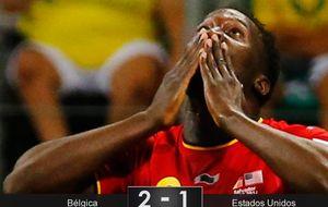 Los 'diablos rojos' se crecen echando a los jugadores de 'soccer'