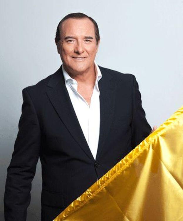 Foto: El presentador de 'El cascabel', Antonio Jiménez. (13 TV)