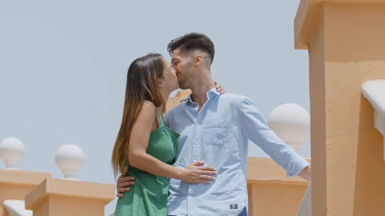 Marta y Lester, pareja de Las Palmas. (Mediaset)