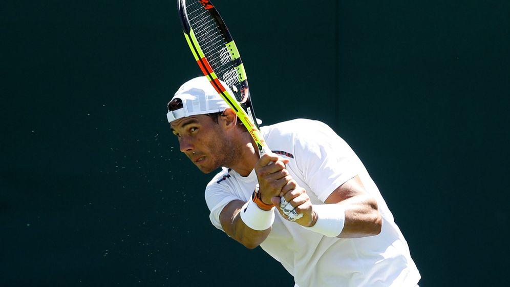 Foto: Rafa Nadal entrena en Wimbledon | Reuters