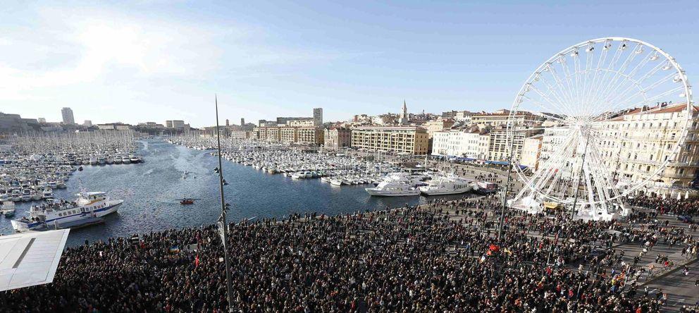 Foto: Cientos de miles de personas se manifestaron ayer sábado en Marsella. (Reuters)