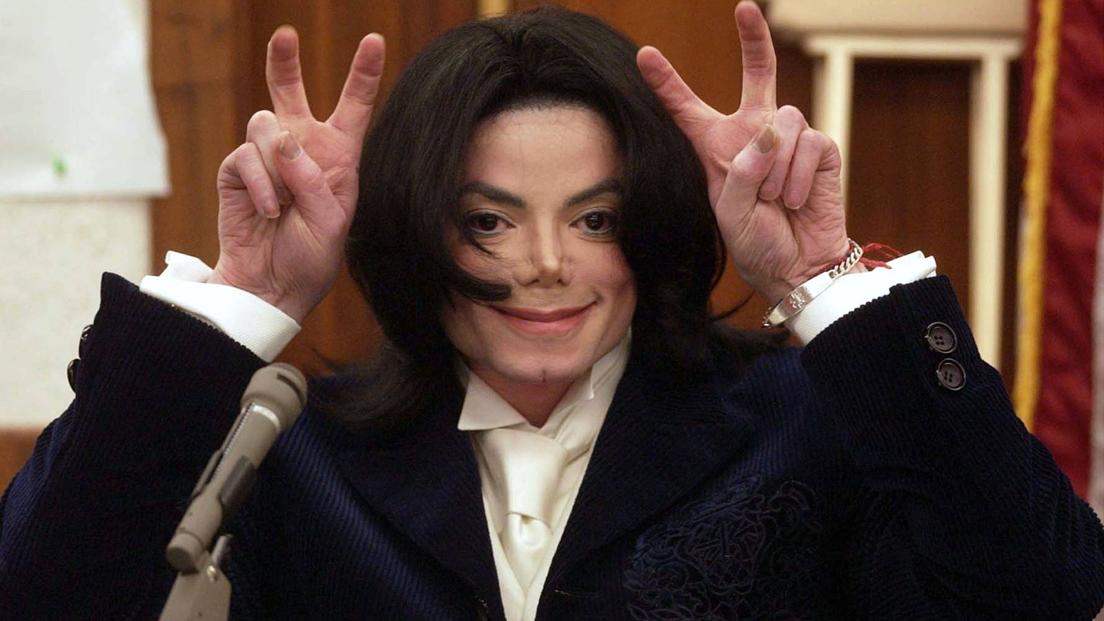 Foto: Michael Jackson testificando en un juicio. (Getty)