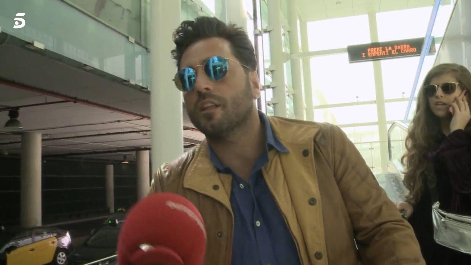 Foto: David Bustamante, a su llegada a Barcelona.