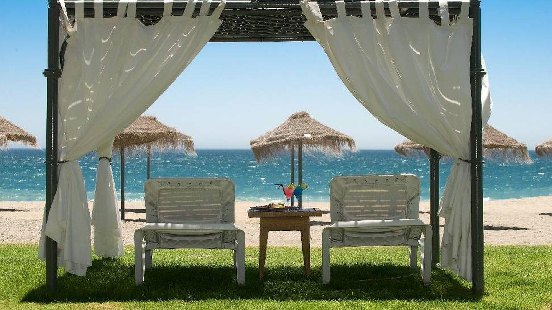 El Villa Padierna traslada su lujo al mar.