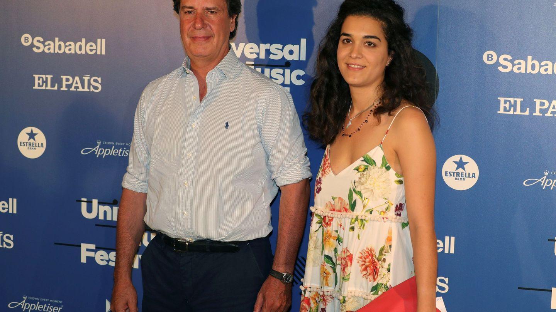 Cayetano Martínez de Irujo con Bárbara Mirjan, su pareja. (EFE)