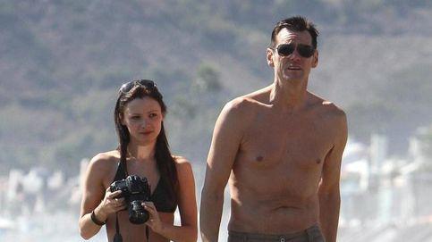 Jim Carrey se deja ver acompañado siete meses después de la muerte de su exnovia