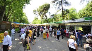 ¿A quién le importa la Feria del Libro de Madrid pudiendo ir de fiesta?
