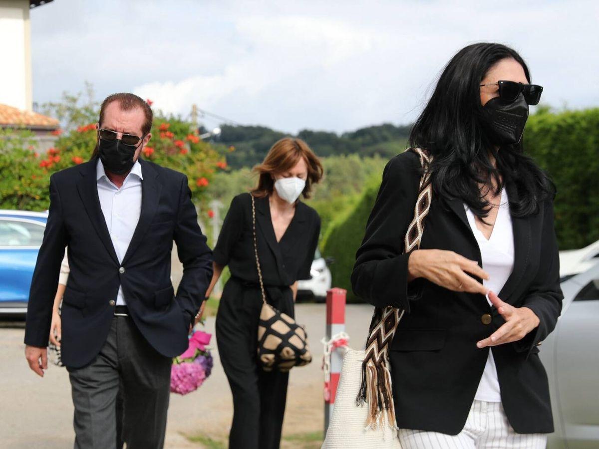 Foto: Ana Togores, Jesús Ortiz y Henar Ortiz, tras el entierro. (Gtres)