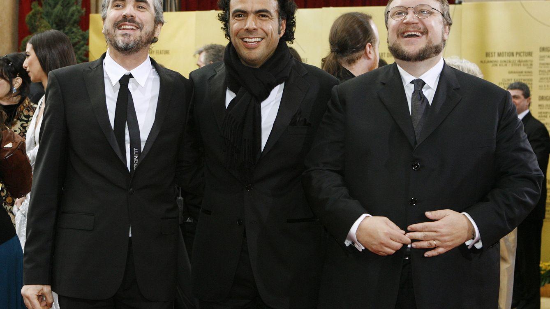 Foto: Alfonso Cuarón, Alejandro González Iñárritu y Guillermo Del Toro en la gala de los Oscar de 2007 (Reuters)