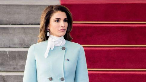 Descubre la última extravagancia estilística de la reina Rania de Jordania