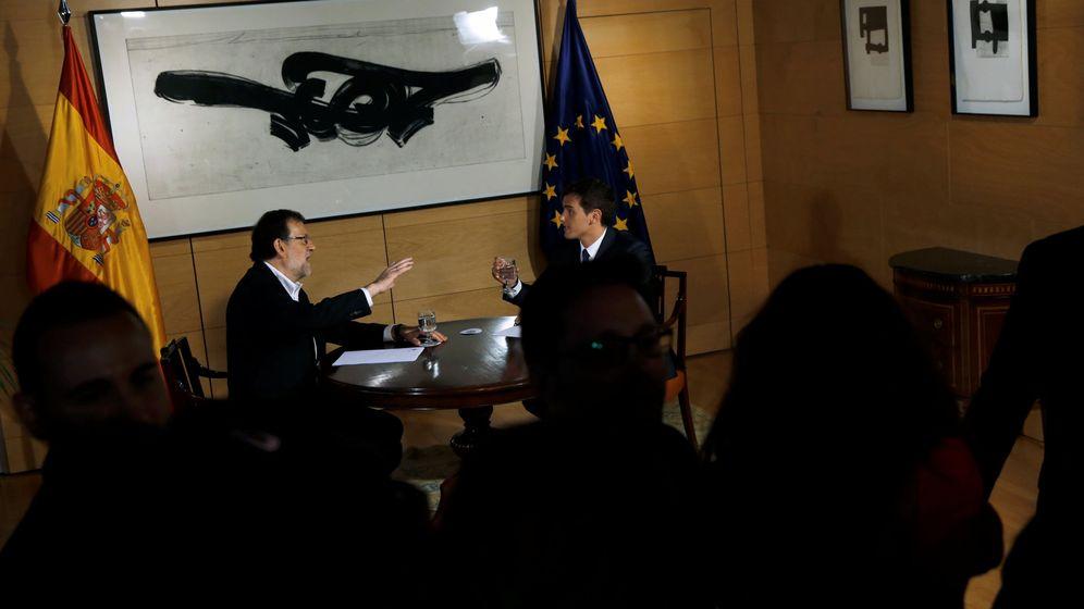 Foto: El presidente del Gobierno en funciones, Mariano Rajoy, durante su reunión con el líder de Ciudadanos, Albert Rivera. (Reuters)