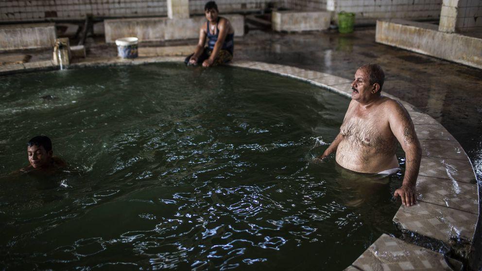El balneario que reabrió sus puertas en la cantera de yihadistas del Estado Islámico