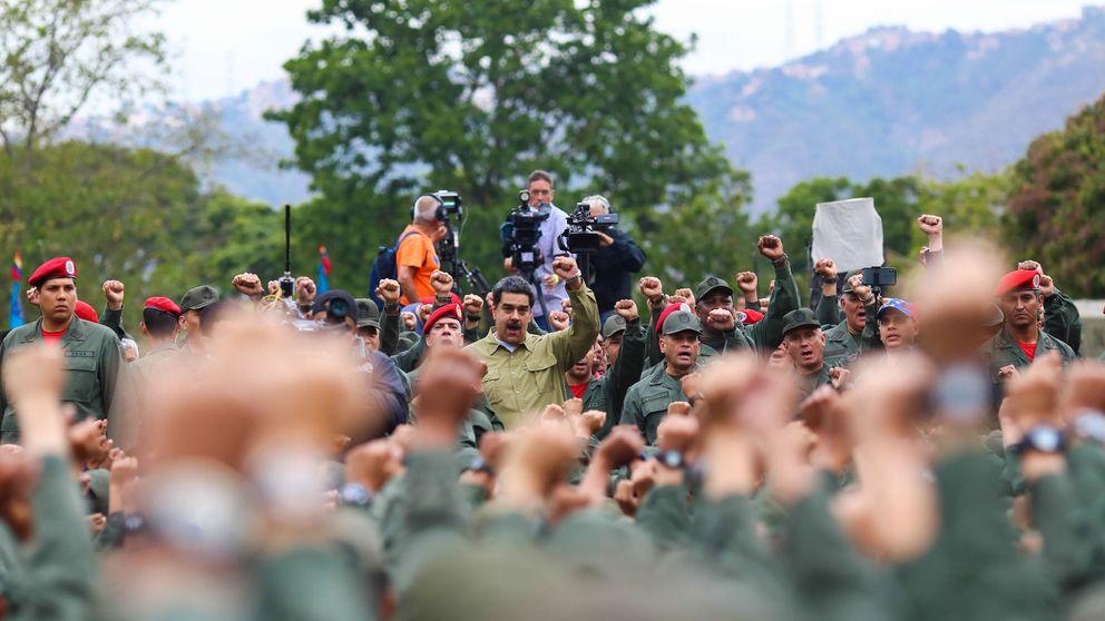 Maduro pide al ejército que esté alerta por un grupo de desertores ligados a Colombia
