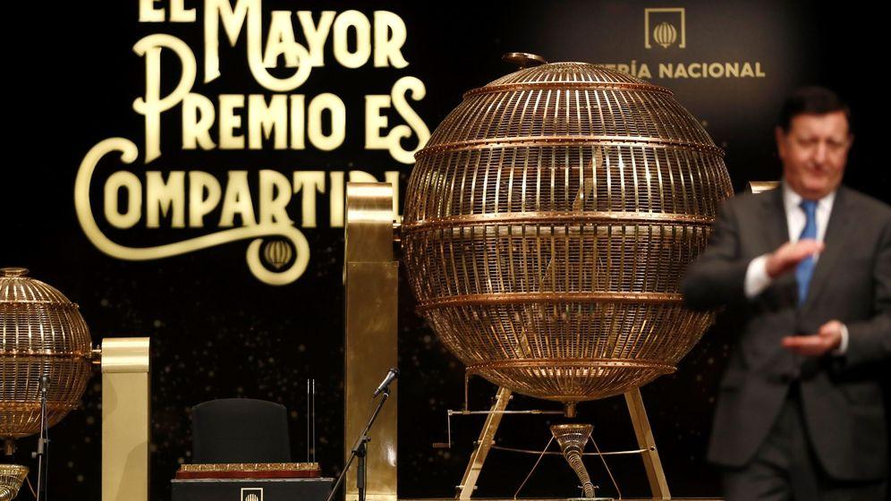 Foto: Todo preparado en el Teatro Real para el sorteo de la Lotería. (EFE)