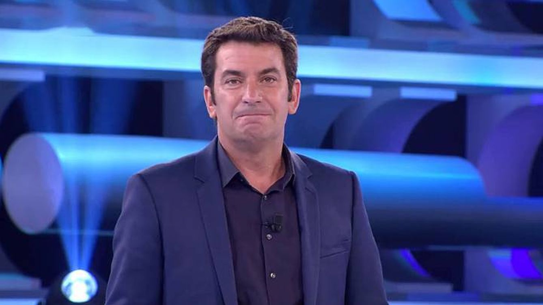 No puedo más: Arturo Valls se salta el guion de '¡Ahora caigo!' con una llamativa protesta
